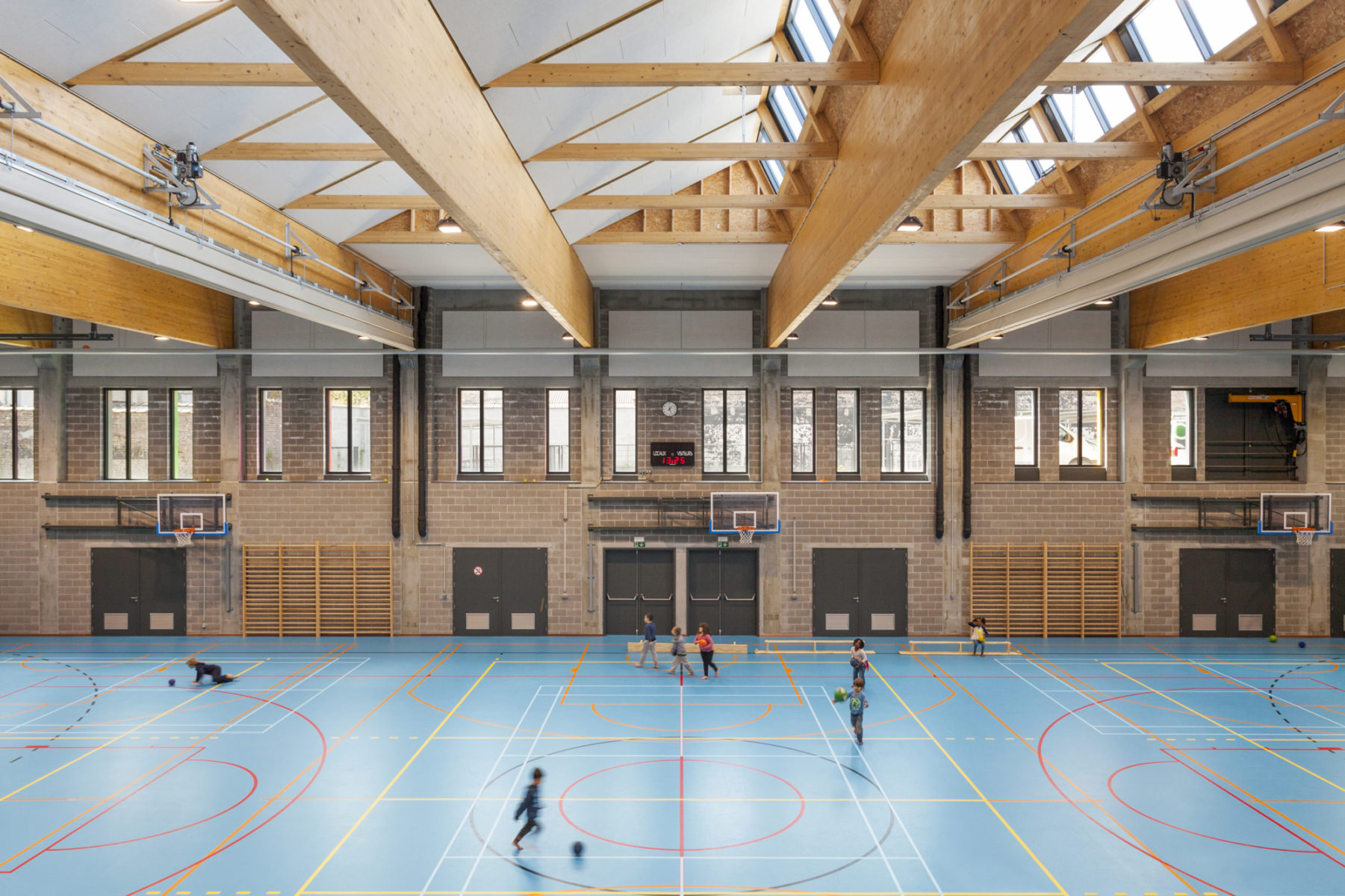 Sports hall © Marie-Noëlle Dailly